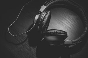 Benefits of using headphones for mixing